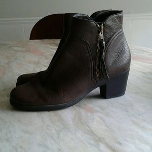 Aerosoles brown heel rest booties
